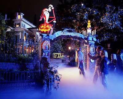 Disneyland – The Original Park | Living in a grown up World