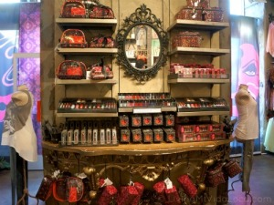 Beauty Display DStore