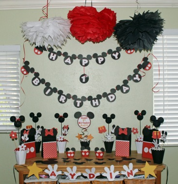 Mickey party decor 2