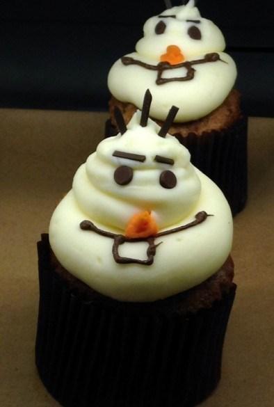 olaf-cupcake-main-street-bakery-396x625