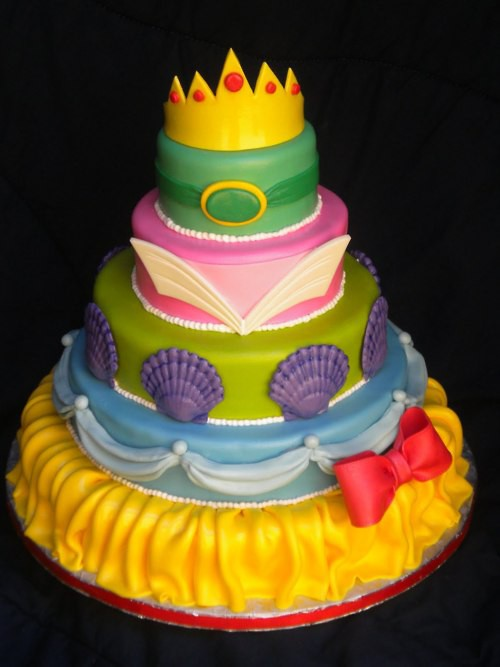 love this Princess cake – subtly celebrating some of Disney's ...