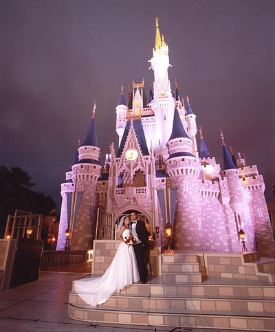 If Youre Thinking About Getting Married At WDW Or You Just Want To Drool Over The Fairytale Weddings Then Check Out Different Packages And
